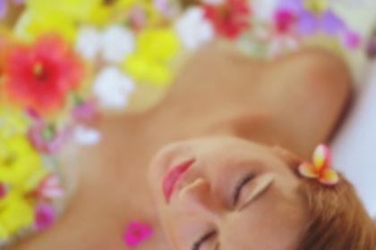 spa-girl-flowers